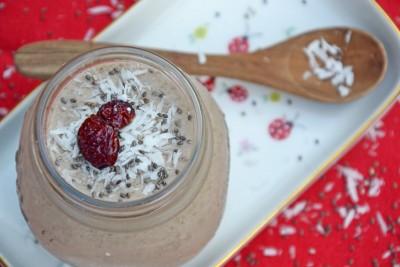 Yogurt ai semi di chia e cocco