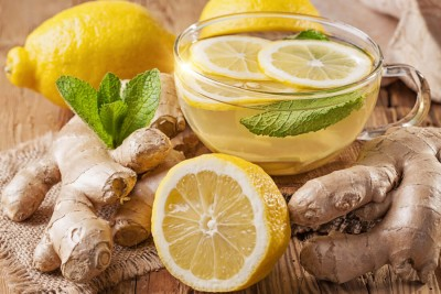 Bevanda rinfrescante zenzero, menta e limone